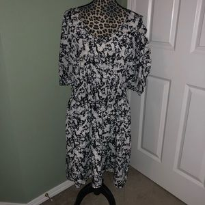 Torrid  skull dress  size 2